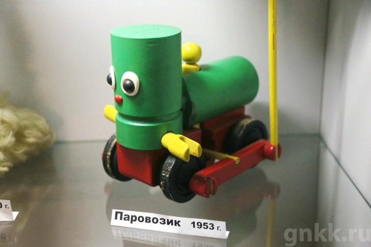 Подготовка к Новому году на красноярской фабрике игрушек «Бирюсинка» фото 58