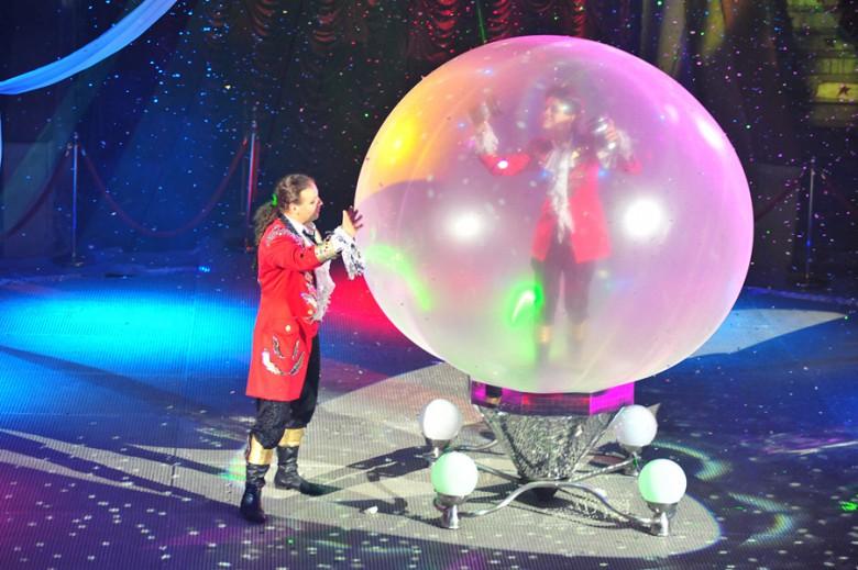 """""""Шоу Воды, Огня и Света!"""" в цирке с 19 декабря фото 5"""